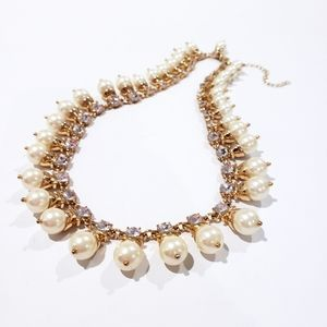 NWOT Banana Republic Statement Necklace Pearls